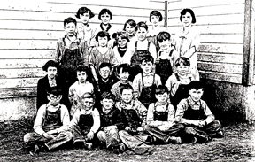 Swan Creek students 1925 LR.jpg
