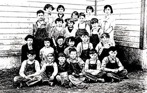 Swan Creek students 1925 LR.jpg
