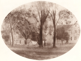 Kinney house log cabin LR
